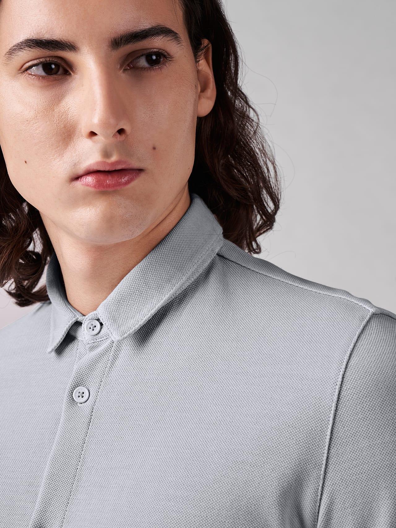JIQUE V1.Y5.01 Pique Shirt with Kent Collar light grey Right Alpha Tauri