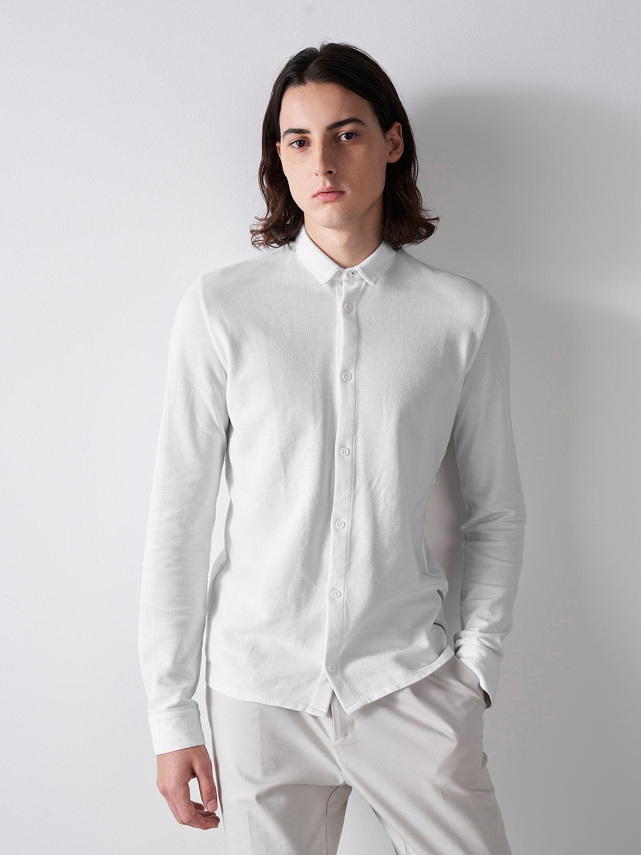 JIQUE V1.Y5.01 Pique Shirt with Kent Collar white Model shot Alpha Tauri