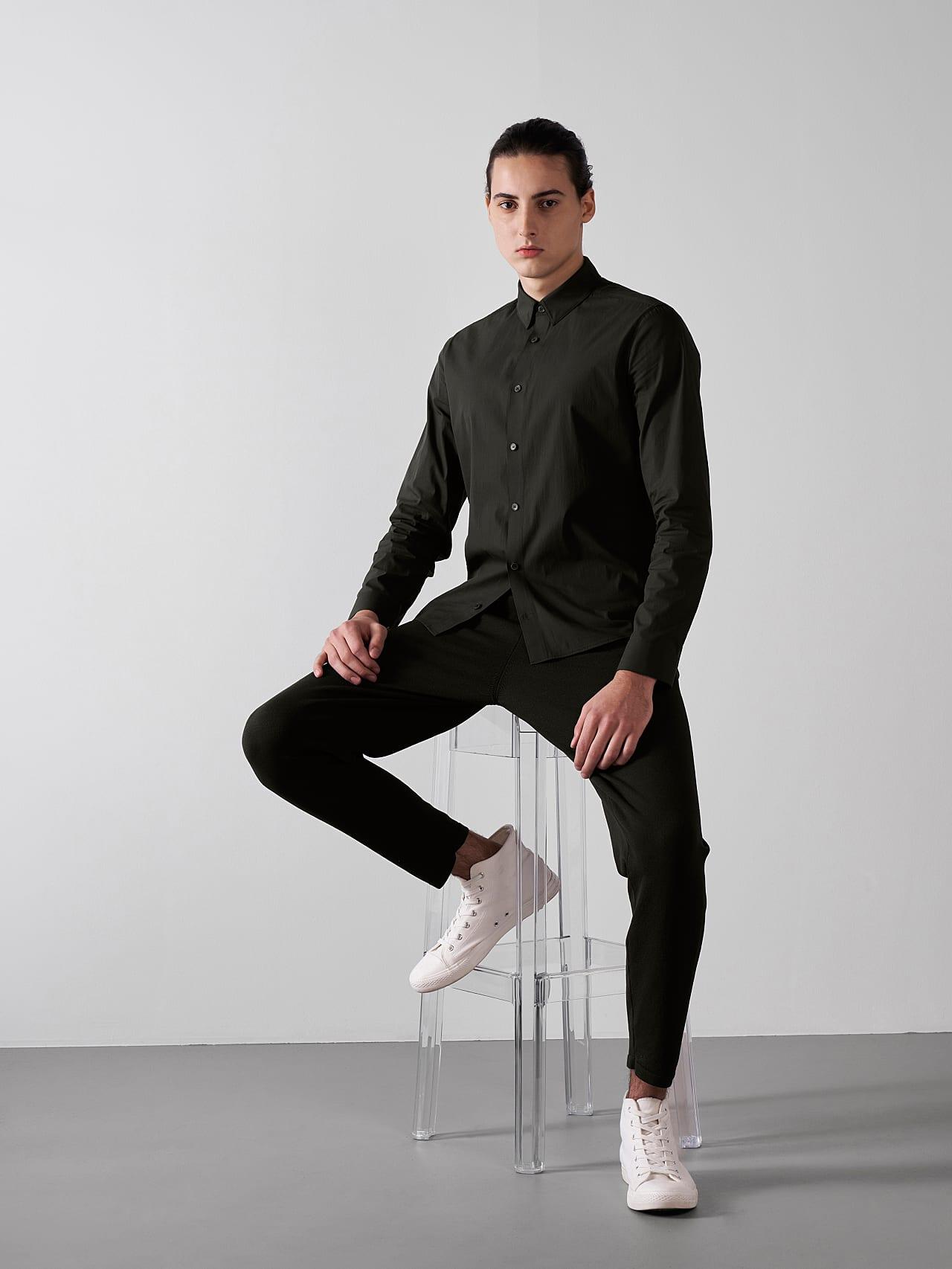 WAARG V1.Y5.01 Cotton-Stretch Shirt olive Front Alpha Tauri