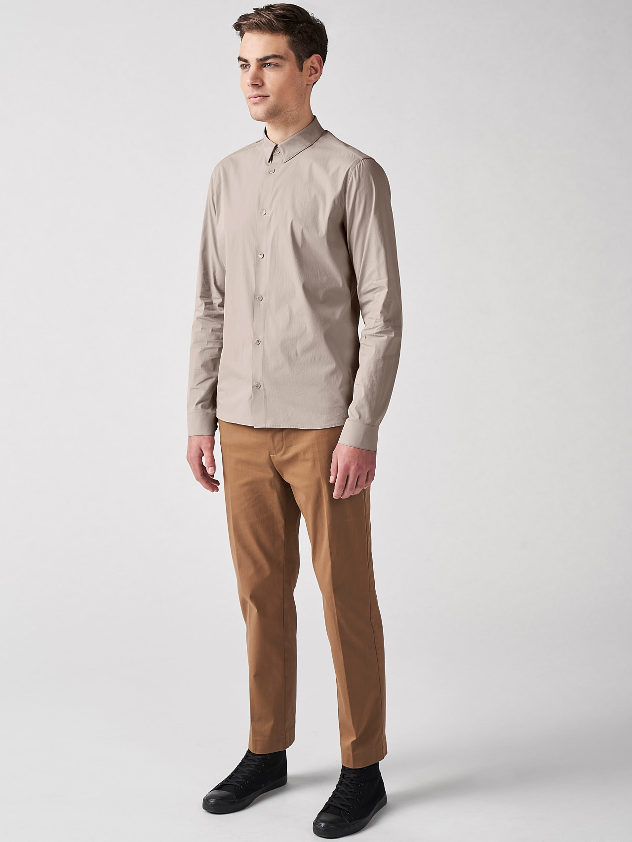 WAARG V1.Y5.01 Cotton-Stretch Shirt Sand Front Alpha Tauri