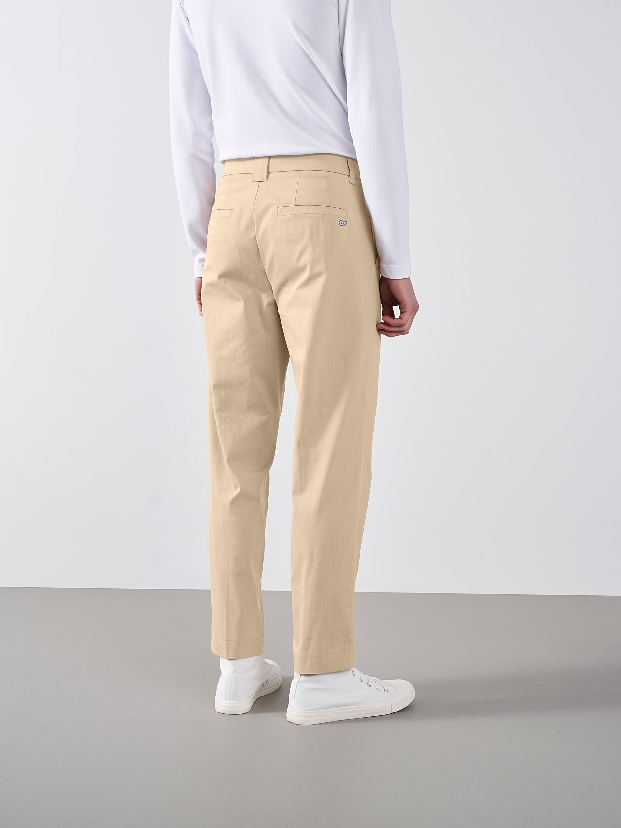PLAIZ V2.Y5.01 Water-Repellent Cotton-Stretch Chino Sand Front Main Alpha Tauri