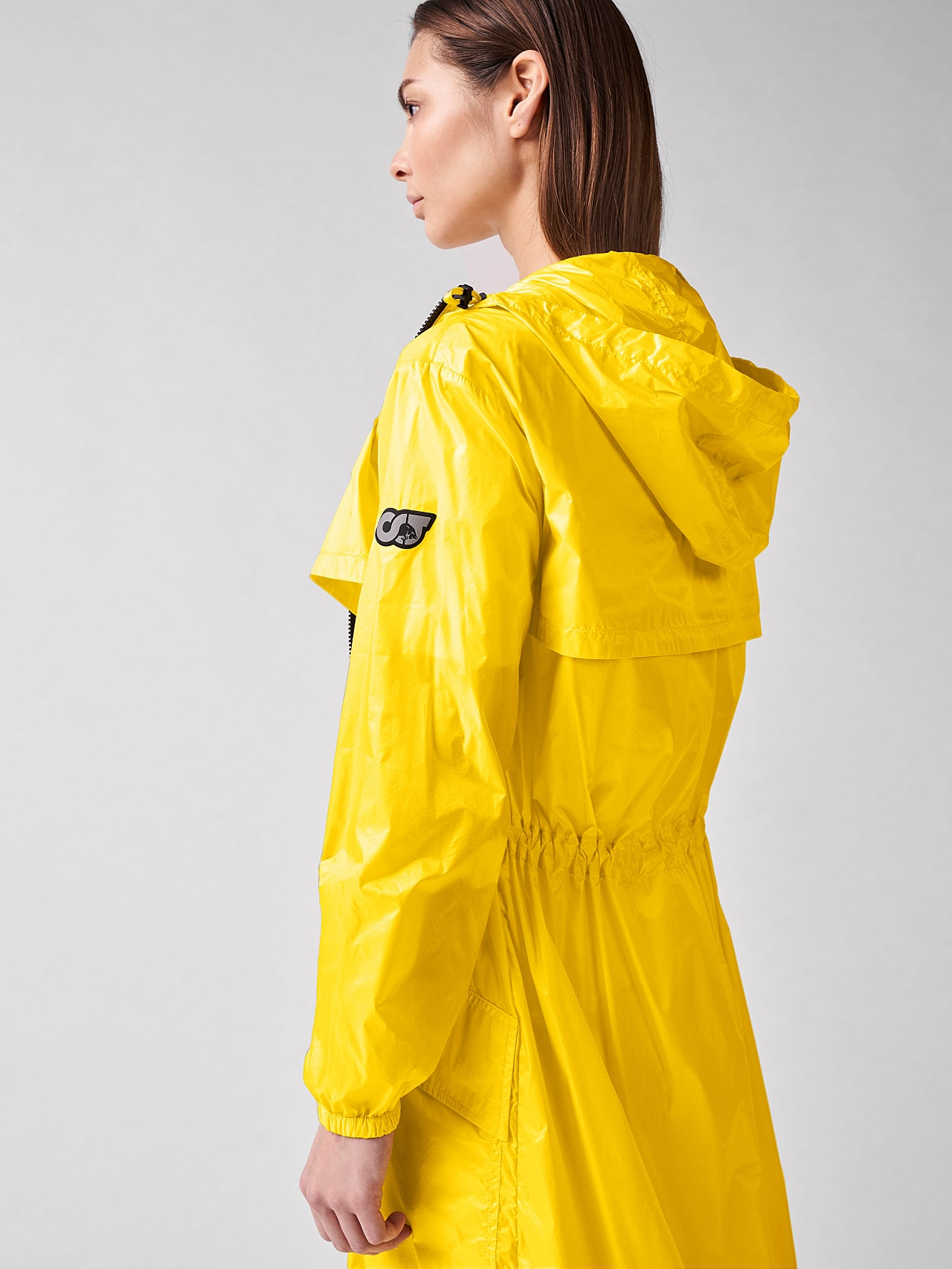 OLONO V2.Y5.01 Packable Windbreaker Coat yellow Right Alpha Tauri