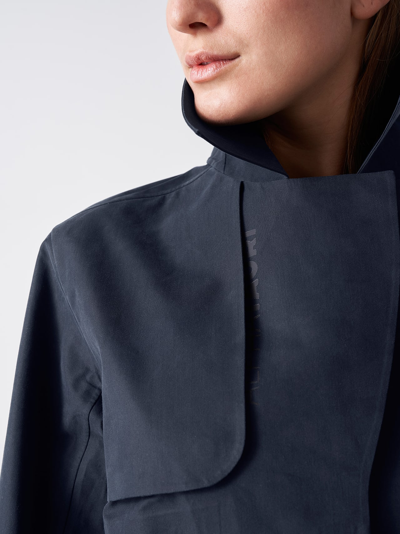 OZENZ V1.Y5.01 Packable Waterproof Trench navy Extra Alpha Tauri