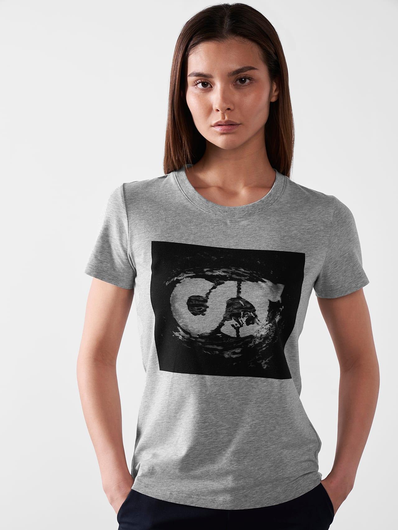 JALP V4.Y5.01 Cotton Logo T-Shirt grey / melange Model shot Alpha Tauri