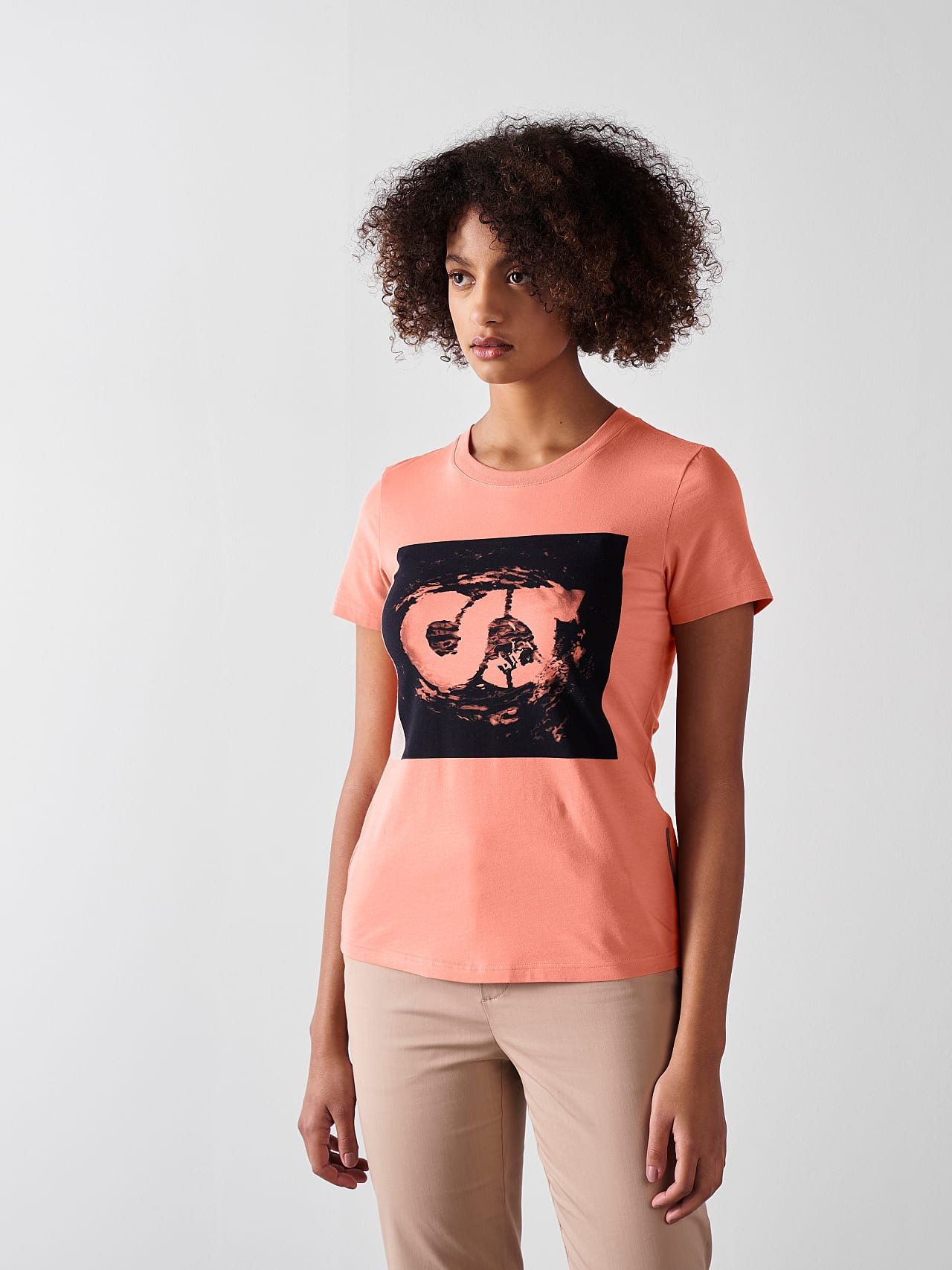 JALP V4.Y5.01 Cotton Logo T-Shirt coral Front Alpha Tauri