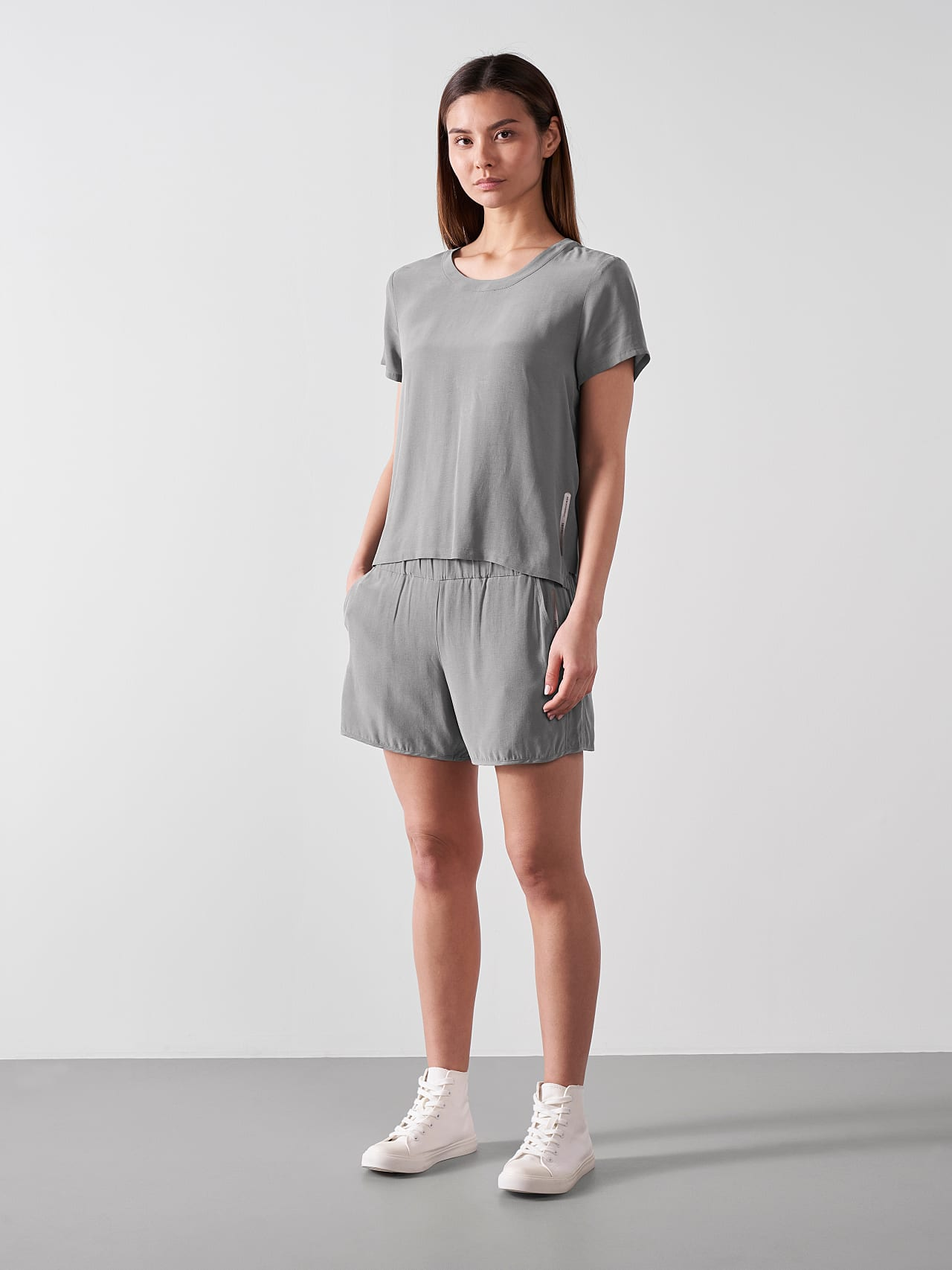 PHORT V1.Y5.01 Relaxed Cupro Shorts Grey Front Alpha Tauri