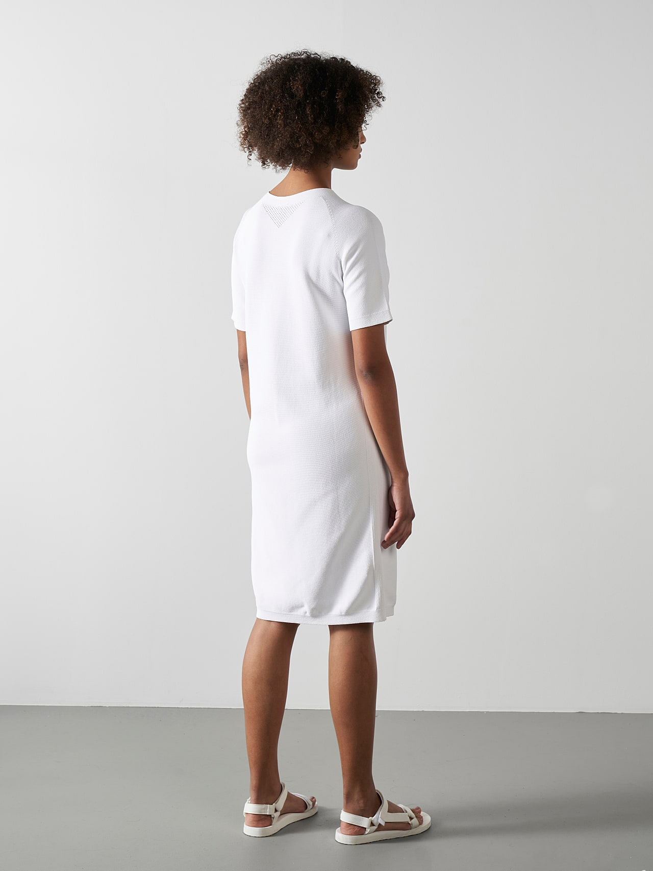 FZORF V1.Y5.01 Seamless Knit Dress white Front Main Alpha Tauri