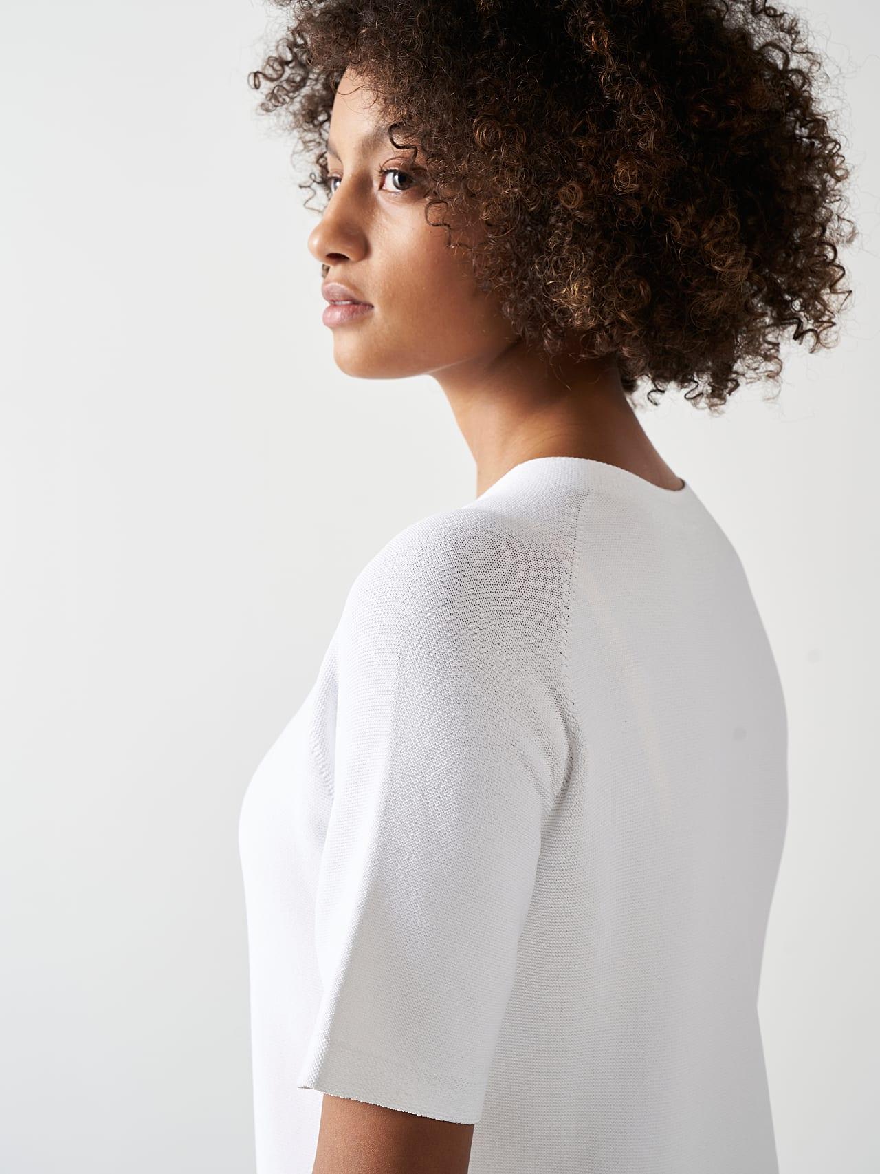 FZORF V1.Y5.01 Seamless Knit Dress white Right Alpha Tauri