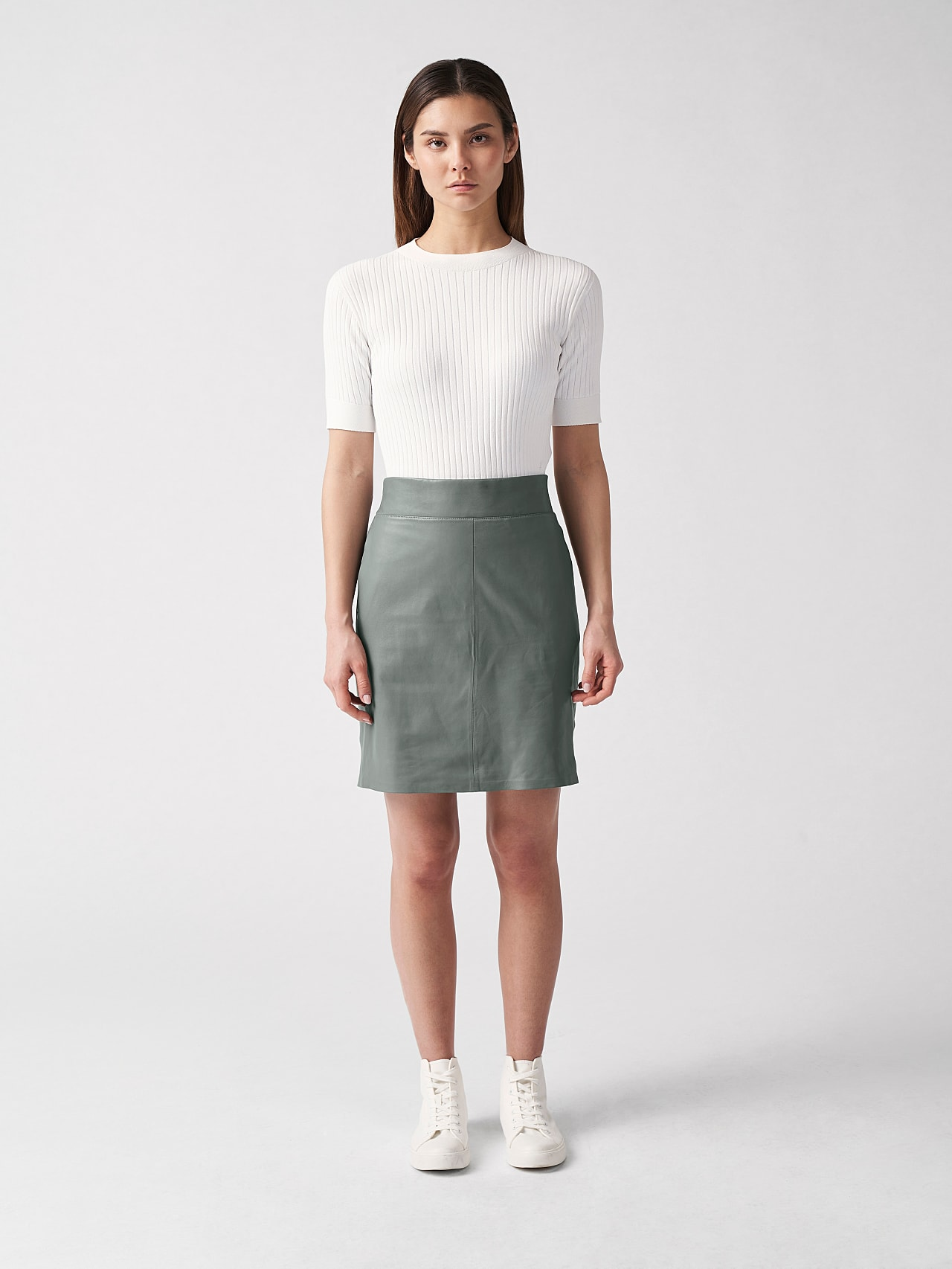 LEXSI V1.Y5.01 Leather Pencil Skirt Grey Front Alpha Tauri