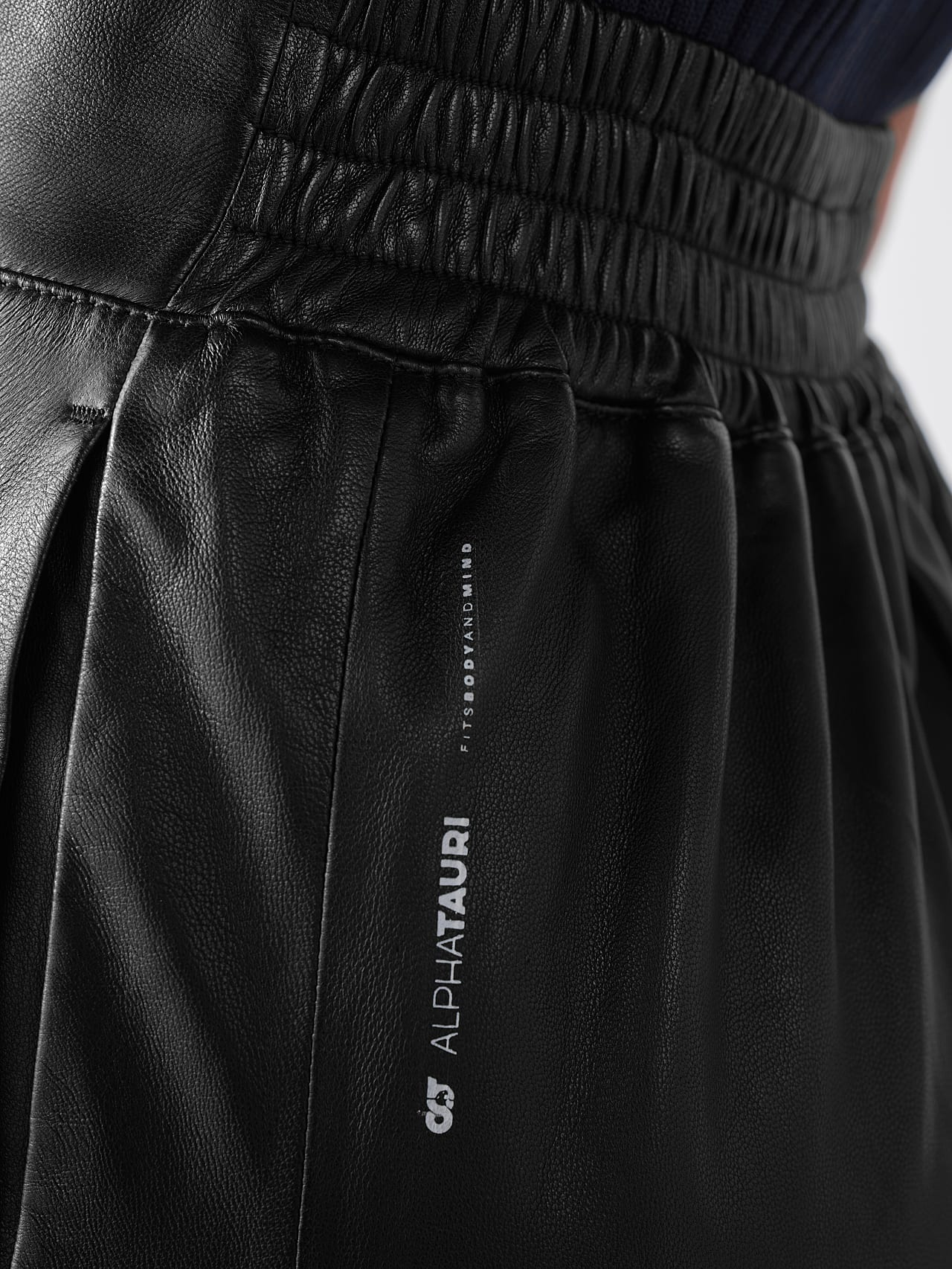 LEXSI V1.Y5.01 Leather Pencil Skirt black Right Alpha Tauri